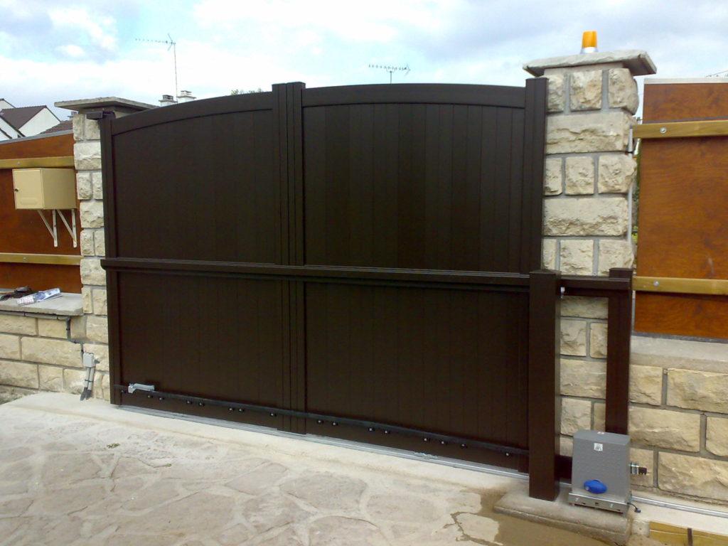 Suitable for sliding wooden gates